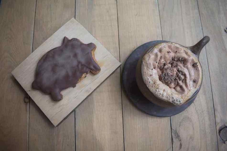 Desayuno en la chocolatería la rifa en la Juárez